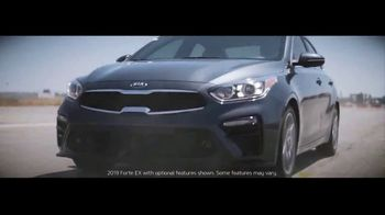 2019 Kia Forte TV Spot, 'Unruled: Chicken' Featuring Collete Davis [T1] - Thumbnail 4
