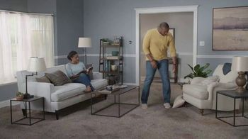 Lowe's TV Spot, 'The Moment: Old Carpet: Deluxe Installation' - Thumbnail 1