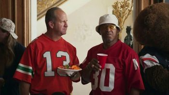 Nissan TV Spot, 'Heisman House: Pineapple' Featuring Barry Sanders, Mike Rozier, Baker Mayfield [T1] - Thumbnail 3