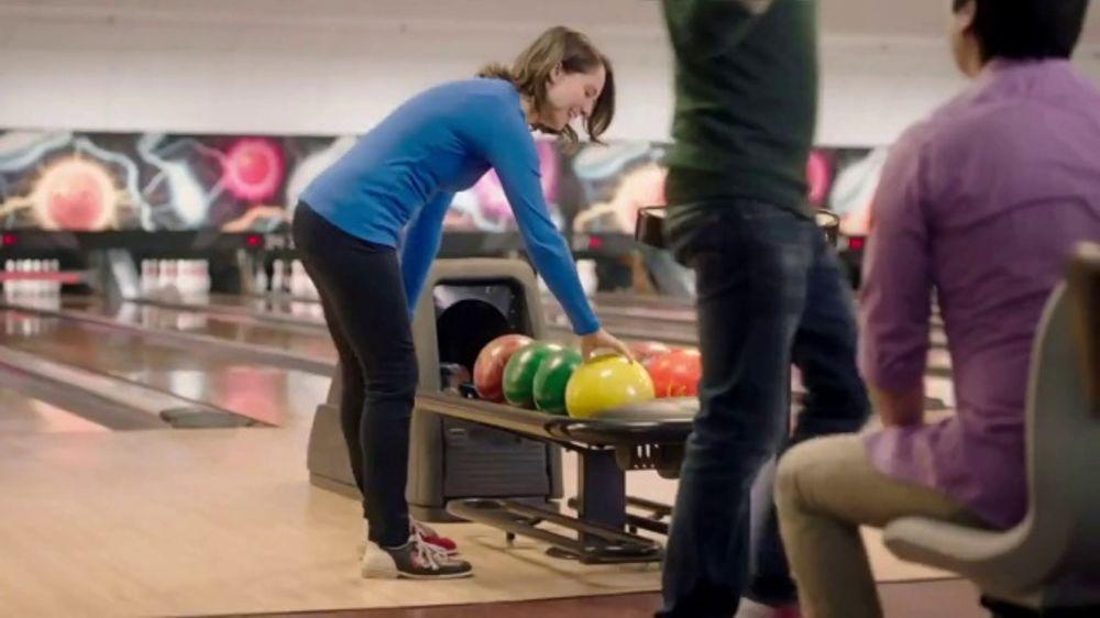 Aspercreme Lidocaine Patch XL TV Commercial, 'Bowling'