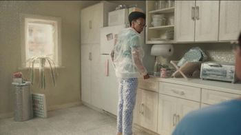 GEICO TV Spot, 'Excessive Use of Packing Bubbles' - Thumbnail 3