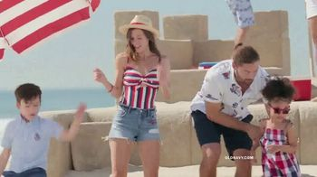 Old Navy TV Spot, 'Dig Into Summer: 60 Percent Off' - Thumbnail 2