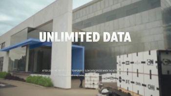 AT&T Unlimited TV Spot, 'Más de lo tuyo: entrega' [Spanish] - Thumbnail 8