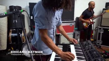 Guitar Center TV Spot, 'Fourth of July: 1975 Les Paul' Feat. Chicano Batman - Thumbnail 4