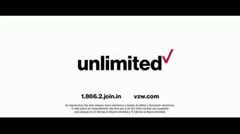 Verizon TV Spot, 'Huge News' con Luis Gerardo Méndez [Spanish] - Thumbnail 10
