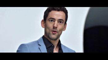 Verizon TV Spot, 'Huge News' con Luis Gerardo Méndez [Spanish] - Thumbnail 4