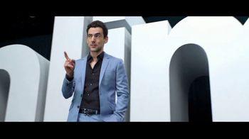 Verizon TV Spot, 'Huge News' con Luis Gerardo Méndez [Spanish] - Thumbnail 5