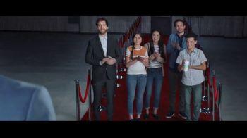 Verizon TV Spot, 'Huge News' con Luis Gerardo Méndez [Spanish] - Thumbnail 7