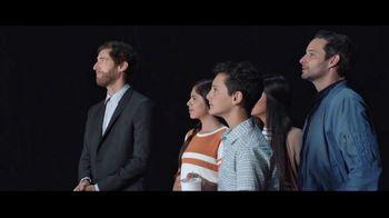 Verizon TV Spot, 'Huge News' con Luis Gerardo Méndez [Spanish] - Thumbnail 8