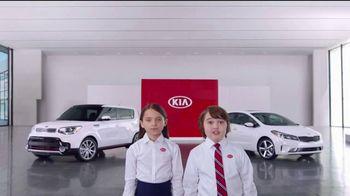 Kia America's Best Value 4th of July Event TV Spot, 'Soft Sell: Deals, Deals, Deals' [T2] - Thumbnail 2