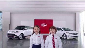 Kia America's Best Value 4th of July Event TV Spot, 'Soft Sell: Deals, Deals, Deals' [T2] - Thumbnail 7