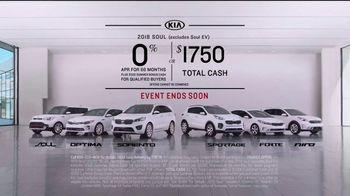Kia America's Best Value 4th of July Event TV Spot, 'Soft Sell: Deals, Deals, Deals' [T2] - Thumbnail 9