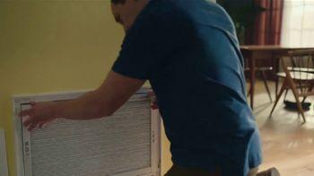 Filtrete Healthy Living Filters TV Spot, 'Robot Vacuum' - Thumbnail 6