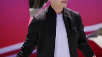 Twix TV Spot, 'MTV: 2018 VidCon: Prom' Featuring Erik Zachary - Thumbnail 1