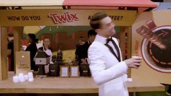 Twix TV Spot, 'MTV: 2018 VidCon: Prom' Featuring Erik Zachary - Thumbnail 10