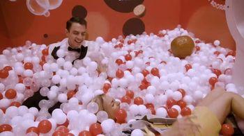 Twix TV Spot, 'MTV: 2018 VidCon: Prom' Featuring Erik Zachary - Thumbnail 6