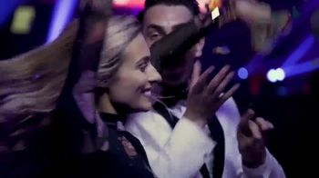 Twix TV Spot, 'MTV: 2018 VidCon: Prom' Featuring Erik Zachary - Thumbnail 9