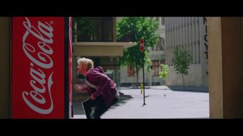 Coca-Cola TV Spot, 'Ready for the World Cup' Ft Jason Derulo, Song by AC/DC - Thumbnail 5