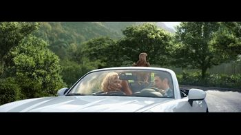 FIAT 124 Spider TV Spot, 'Feel Like a Bird' Song by Wyclef Jean