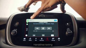 FIAT 500X TV Spot, 'Fingerdance' Song by Dej Loaf [T1] - Thumbnail 4