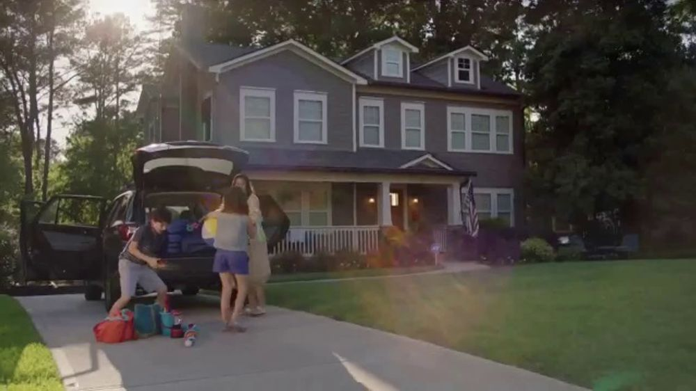 ADT TV Commercial, 'Worry-Free Getaway Service'
