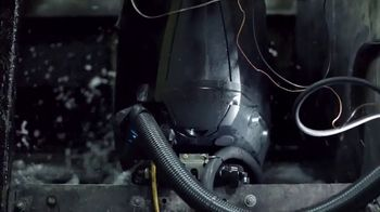Mercury Marine V-8 Fourstroke TV Spot, 'Reshaping Power' - Thumbnail 2