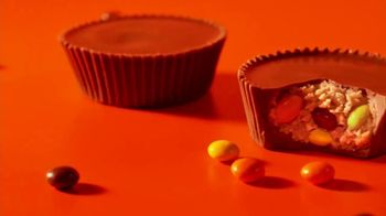Reese's Pieces Big Cup TV Spot, 'Decisions' - Thumbnail 6