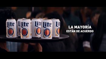 Miller Lite TV Spot, 'Bandejas' [Spanish] - Thumbnail 4