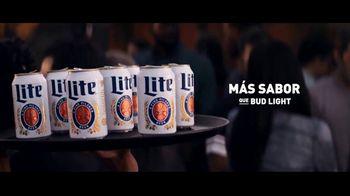 Miller Lite TV Spot, 'Bandejas' [Spanish] - Thumbnail 6