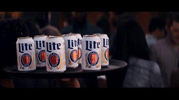 Miller Lite TV Spot, 'Bandejas' [Spanish] - Thumbnail 7