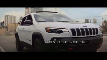 Jeep Summer of Jeep TV Spot, 'Always on Beat' Song by will.i.am [T1] - Thumbnail 4