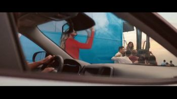 Jeep El Verano de Jeep TV Spot, 'Perfect Sync: 1, 2 , 3' canción de Sofia Reyes [Spanish] [T1] - Thumbnail 8