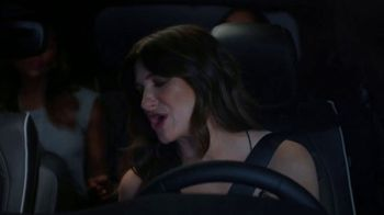 Chrysler Pacifica TV Spot, 'Girls Night Out' Featuring Kathryn Hahn [T1] - Thumbnail 2