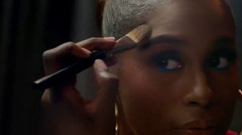 CoverGirl TruBlend Matte Made TV Spot, '40 Shades' Featuring Maye Musk, Song by Sylvan Esso - Thumbnail 3