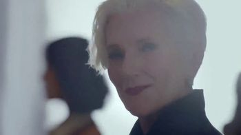 CoverGirl TruBlend Matte Made TV Spot, '40 Shades' Featuring Maye Musk, Song by Sylvan Esso - Thumbnail 5