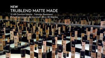 CoverGirl TruBlend Matte Made TV Spot, '40 Shades' Featuring Maye Musk, Song by Sylvan Esso - Thumbnail 9