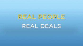 DealDash TV Spot, 'Auction Deals: Headphones and Tote' - Thumbnail 2