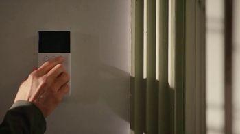 SimpliSafe TV Spot, 'Window Seat' Song by Etta James - Thumbnail 5