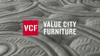 Value City Furniture 4th of July Sale TV Spot, 'Big Changes' - Thumbnail 2