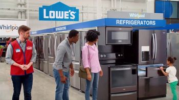 Lowe's 4th of July Savings TV Spot, 'The Moment: New Fridge' - Thumbnail 5