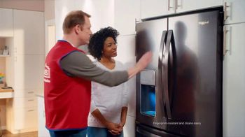 Lowe's 4th of July Savings TV Spot, 'The Moment: New Fridge' - Thumbnail 6