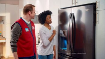 Lowe's 4th of July Savings TV Spot, 'The Moment: New Fridge' - Thumbnail 7
