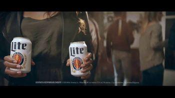 Miller Lite TV Spot, 'Galería de arte' [Spanish] - Thumbnail 3