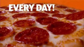 Little Caesars Hot-N-Ready Large Classic TV Spot, '$5 Hot-N-Ready Jingle' - Thumbnail 5