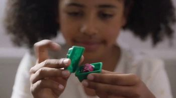 Shopkins Mini Packs TV Spot, 'Strawberry Kiss'
