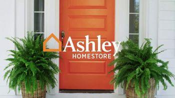 Ashley HomeStore Stars & Stripes TV Spot, 'Extended: Prime Deals' - Thumbnail 1
