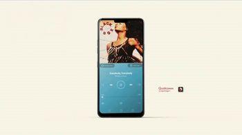 LG G7 ThinQ TV Spot, 'Poolside' Song by Black Box - Thumbnail 9