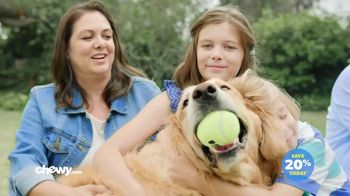 Chewy.com TV Spot, 'Chewy Customers: Big Family' - Thumbnail 9