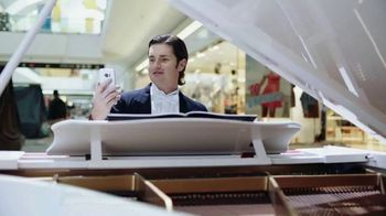SafeAuto TV Spot, 'Terrible Quotes: Mall Piano Courthouse Mattress' - Thumbnail 9