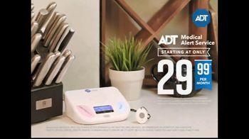 ADT Medical Alert Service TV Spot, 'Independence: Extended' - Thumbnail 5